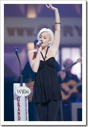 Sugarland and Kellie PIckler on tour